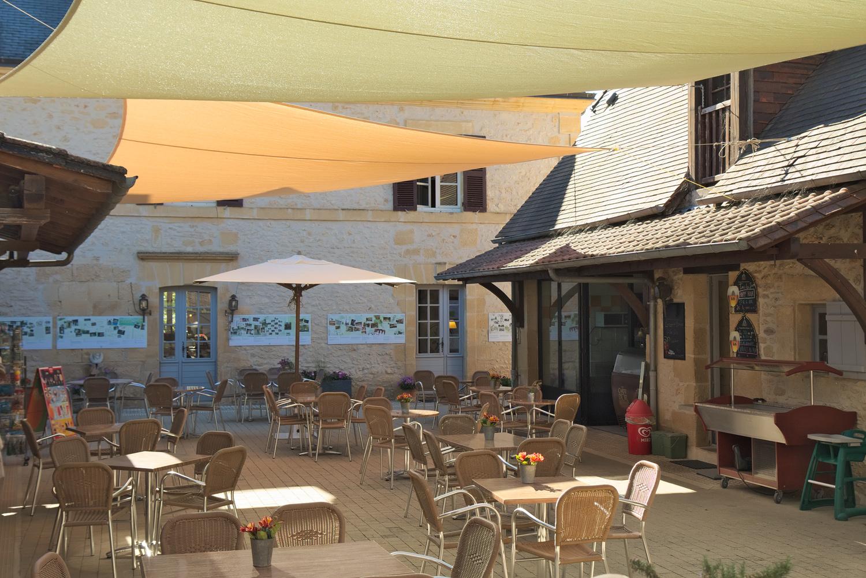 toiles d'ombrage sur la terrasse